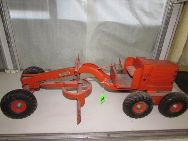 MODEL TOYS TRACTOR