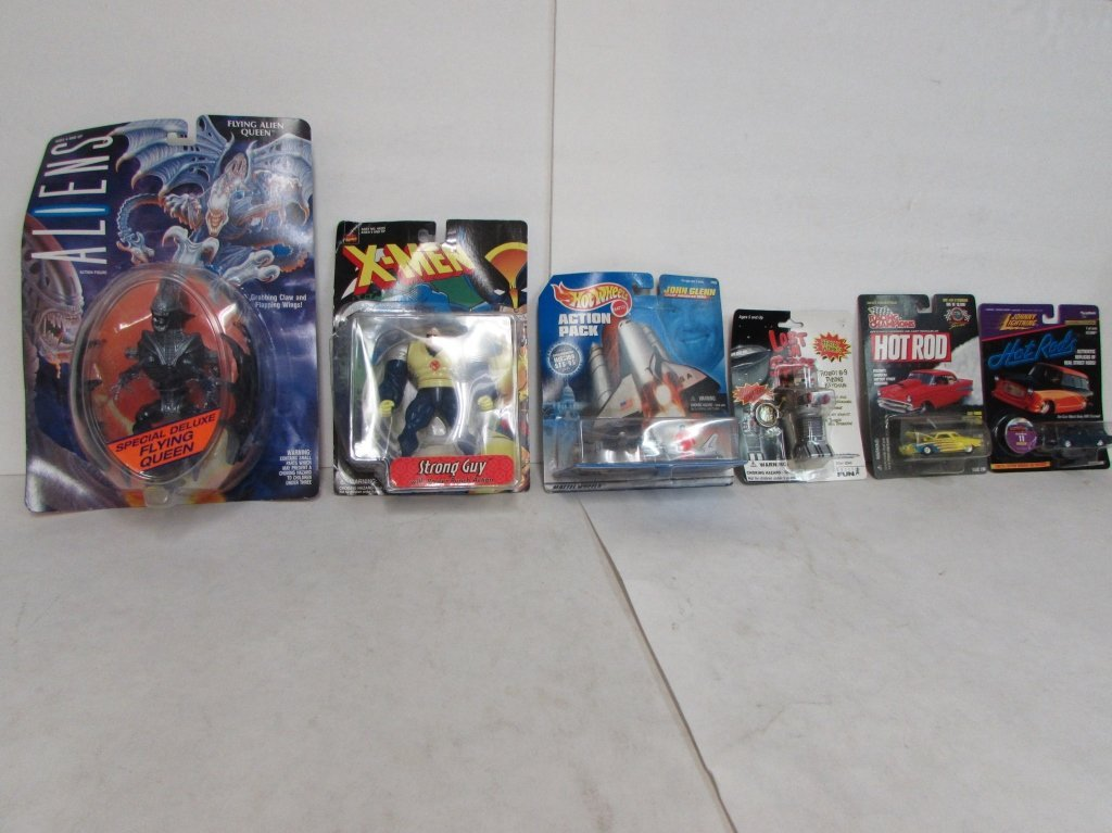 ASSORTED COLLECTIBLE ACTION FIGURES & TOY CARS (6)