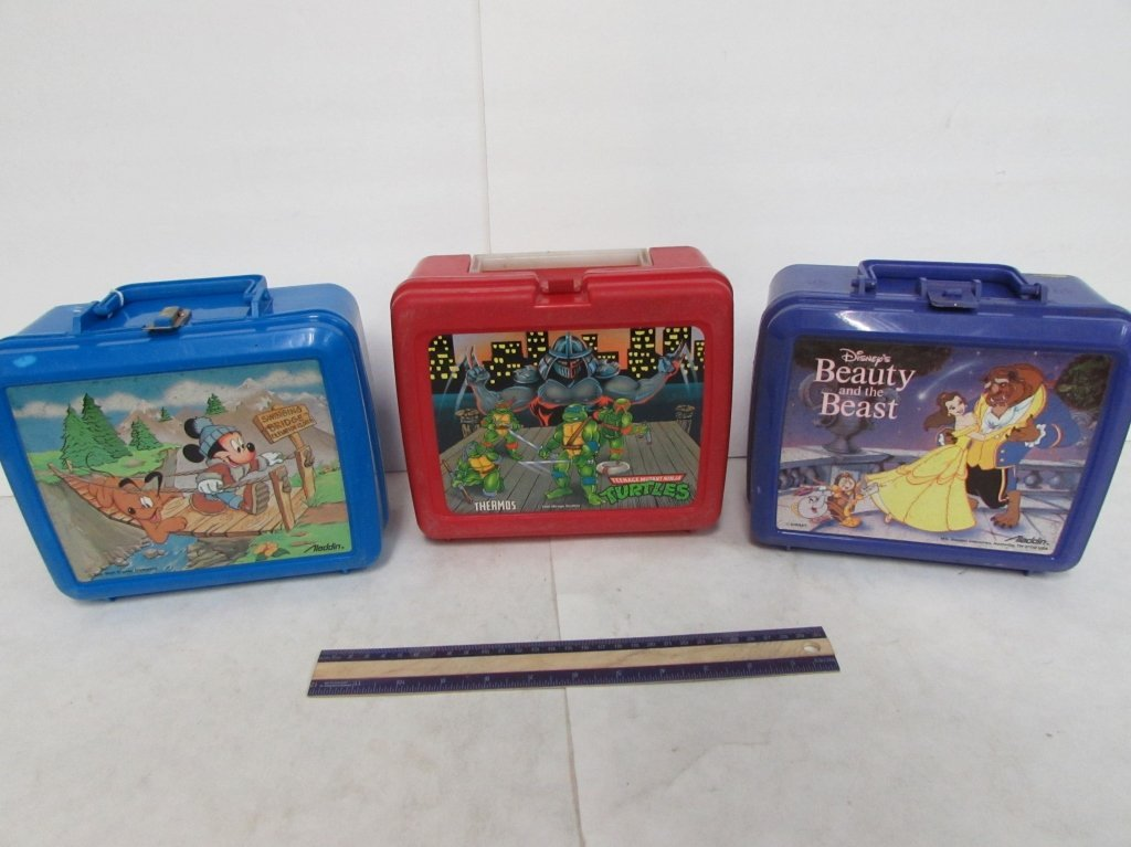 3 VINTAGE PLASTIC LUNCH BOXES