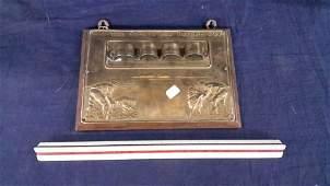 Vintage pipe rack and delft lighter