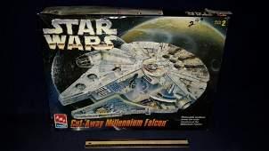 Star wars CutAway Millennium Falcon Model Kit