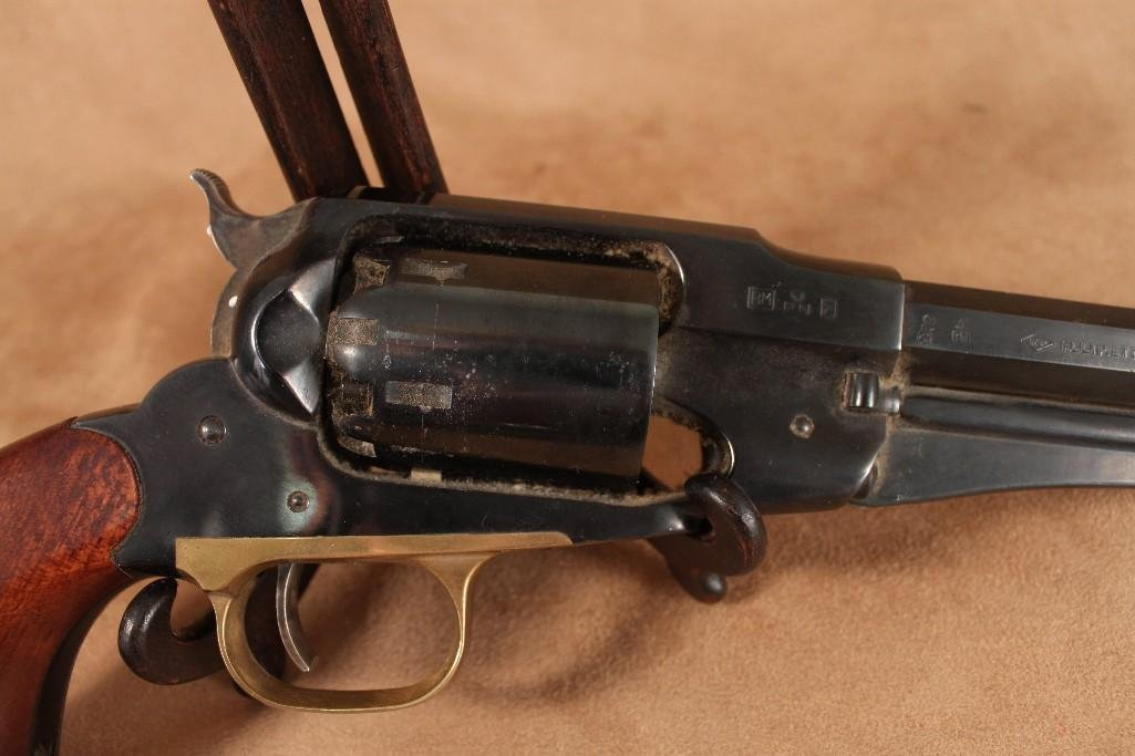 Pietta Model 1858 New Army .44 caliber Revolver Replica - 6