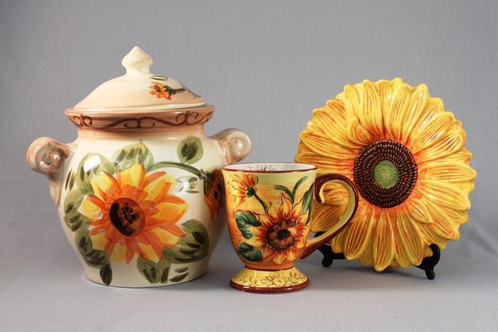 Floral lidded jar and an Over sized Mug (3)
