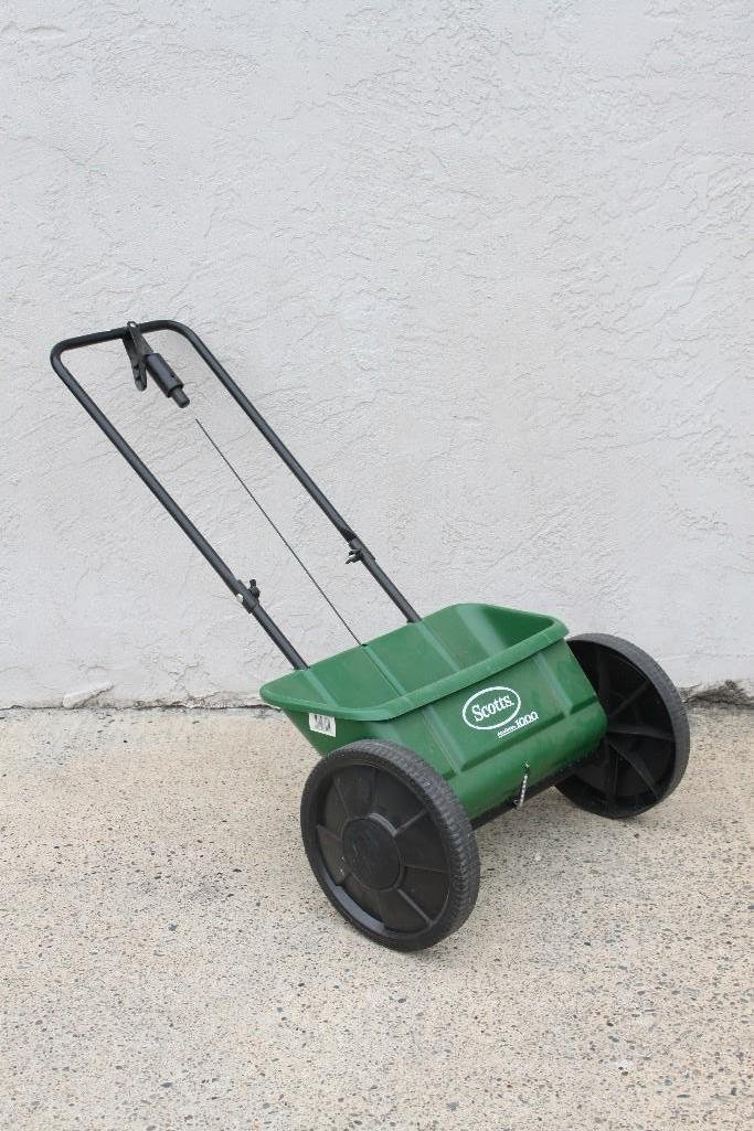 Scotts Accugreen 1000 Spreader