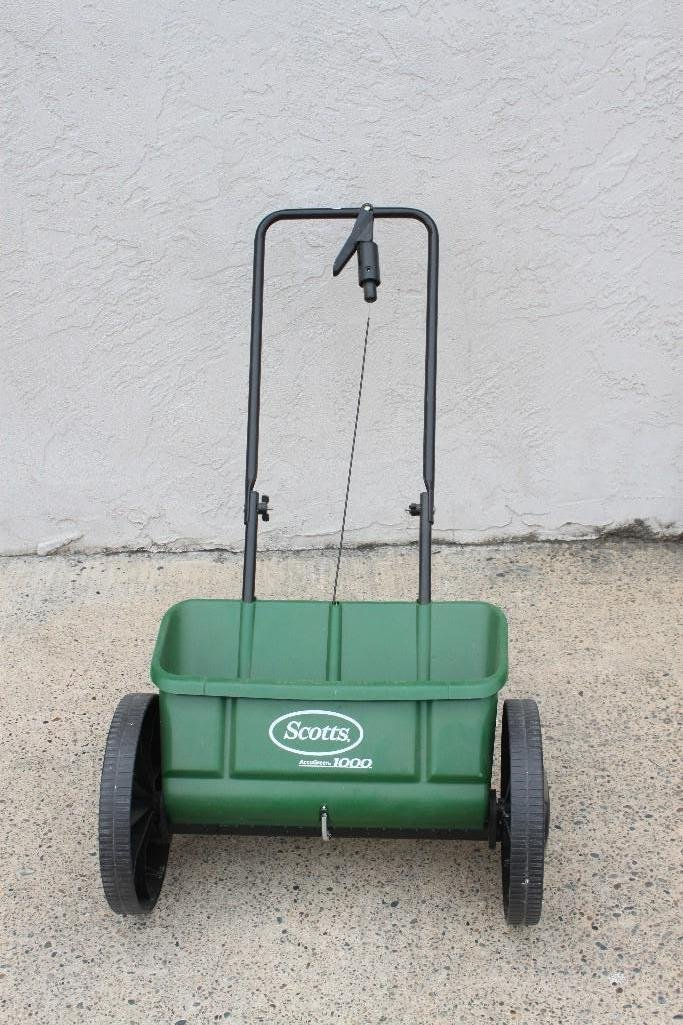 Scotts Accugreen 1000 Spreader - 2