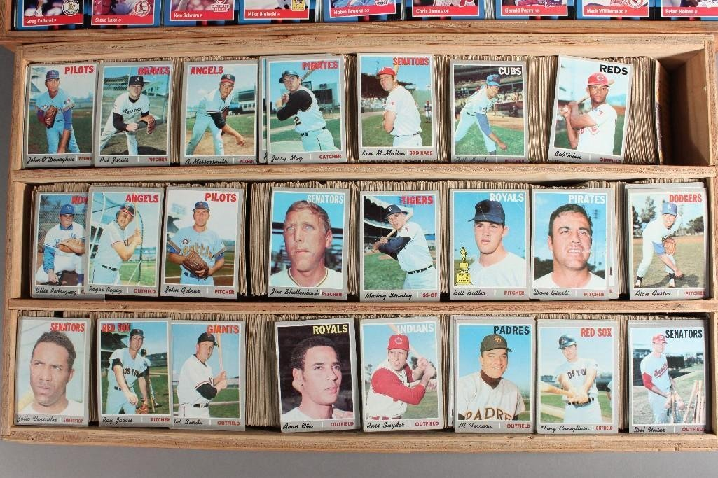 Collector Cards and Signed Willie Mays Poster - 3