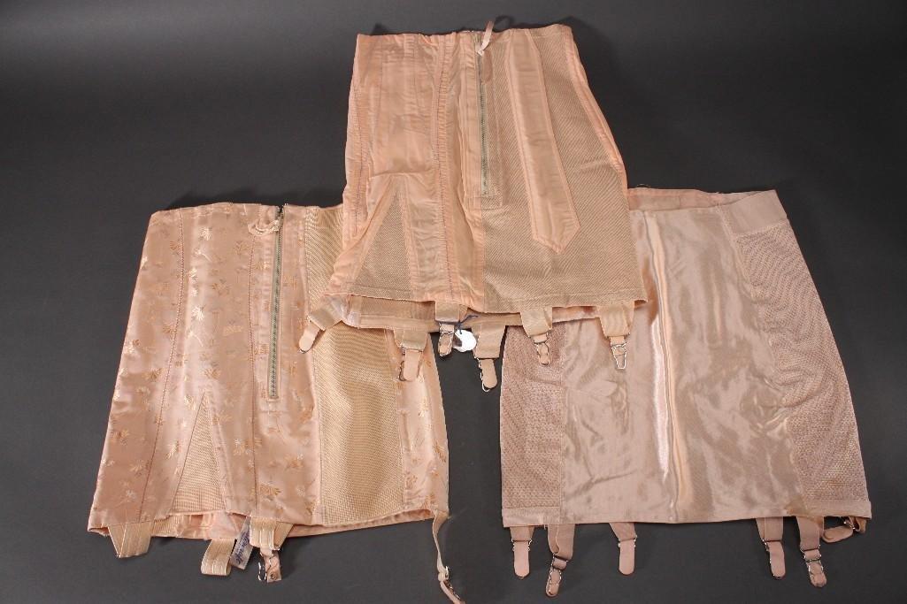 Ladies Vintage Corsets (4)