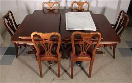 Duncan Phyfe Style Dinning Room Table and Chairs (7)