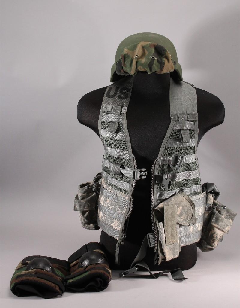 Military US Army Helmet & Vest (3)