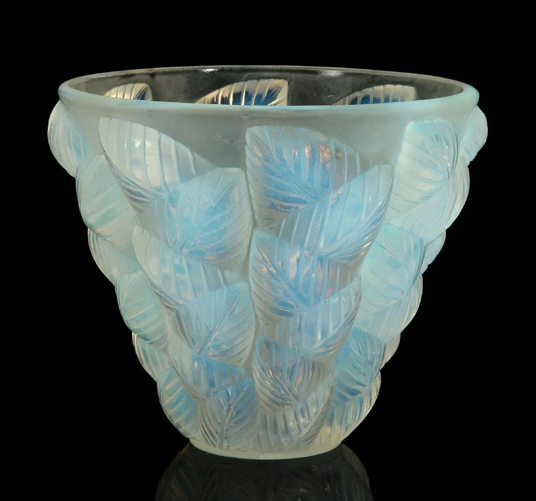 AN R. LALIQUE 'MOSAIC' OPALESCENT ART GLASS VASE