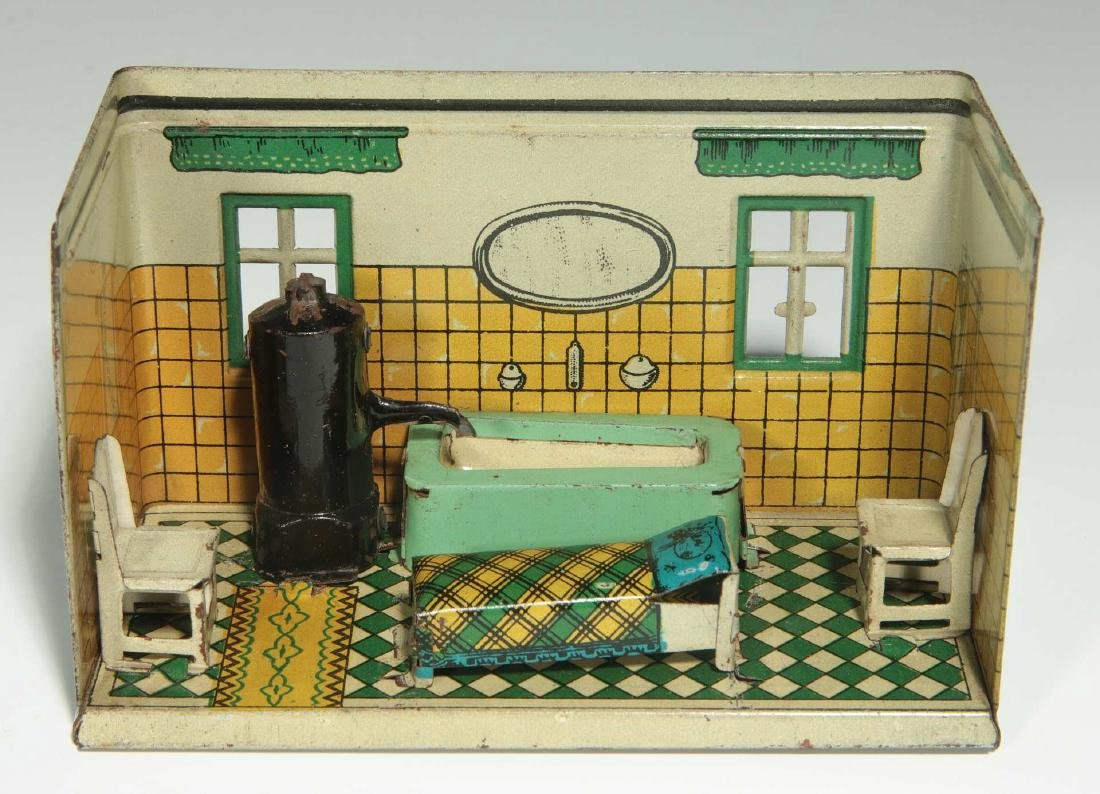 AN OROBRE GERMAN TIN LITHO DOLL HOUSE BATHROOM