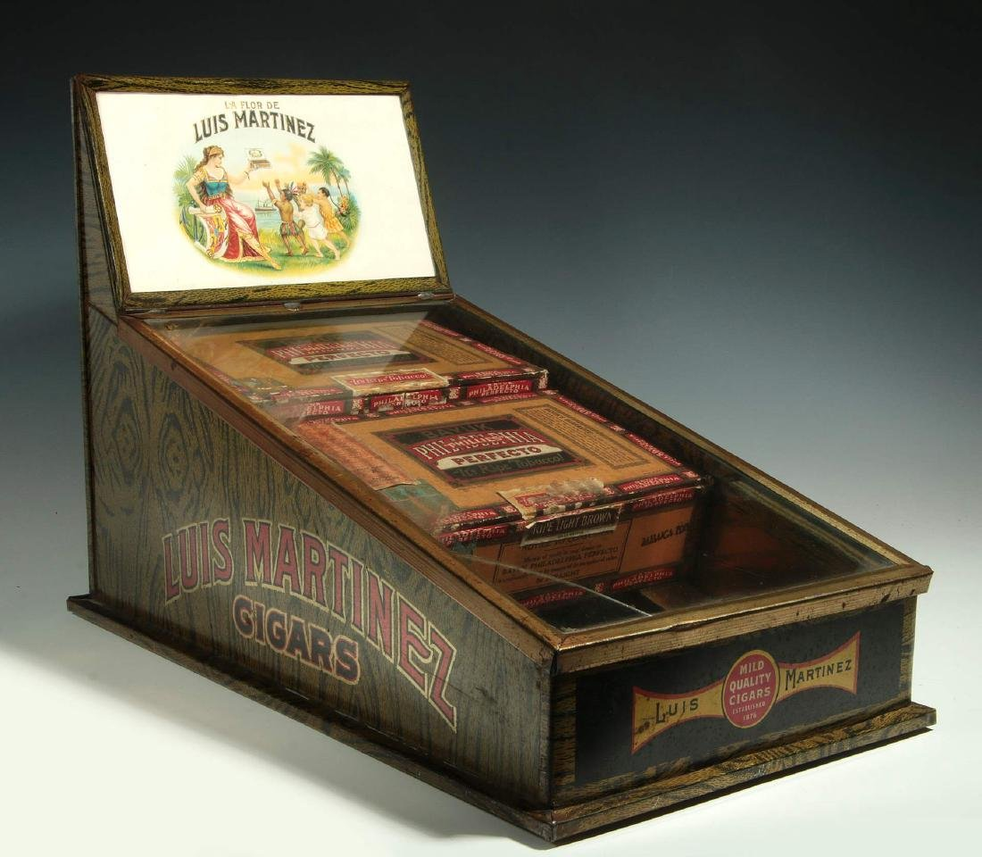 AN EARLY 20TH CENTURY CIGAR ADVERTISING DISPLAY