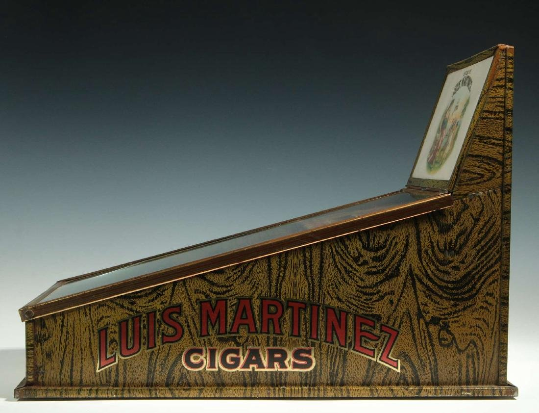 AN EARLY 20TH CENTURY CIGAR ADVERTISING DISPLAY - 5