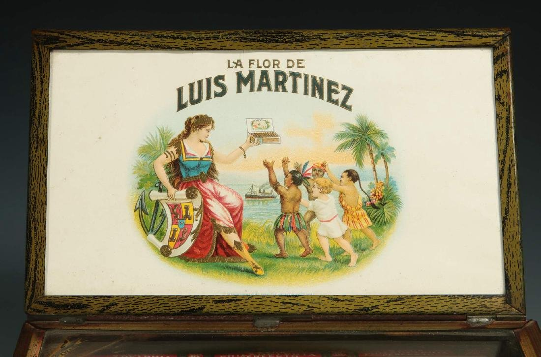 AN EARLY 20TH CENTURY CIGAR ADVERTISING DISPLAY - 7