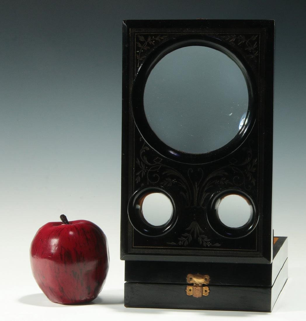 A 19THC. FRENCH FOLDING STEREO CARD PHOTO VIEWER - 2