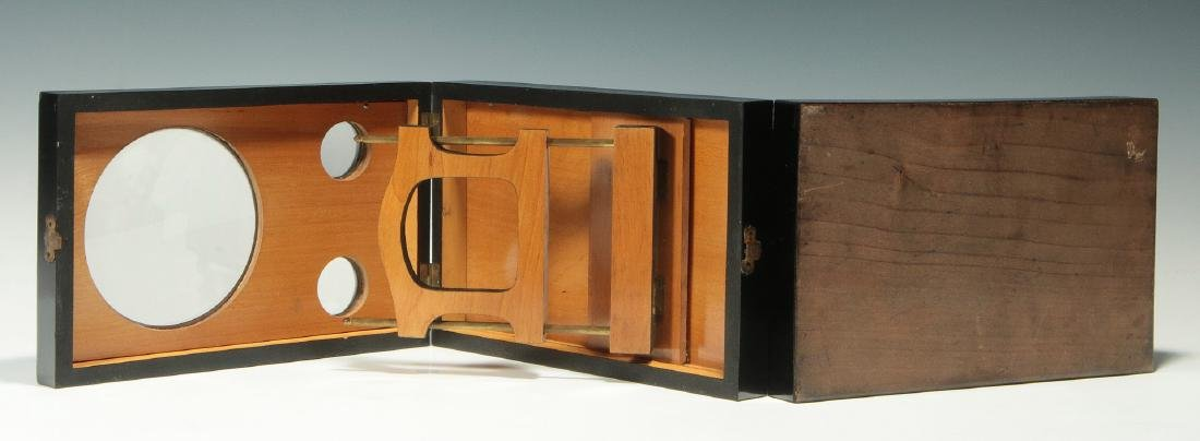 A 19THC. FRENCH FOLDING STEREO CARD PHOTO VIEWER - 7
