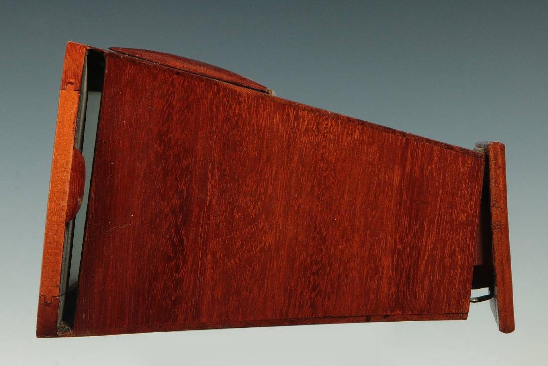A LATE 19TH C. BREWSTER STYLE STEREOSCOPE VIEWER - 5