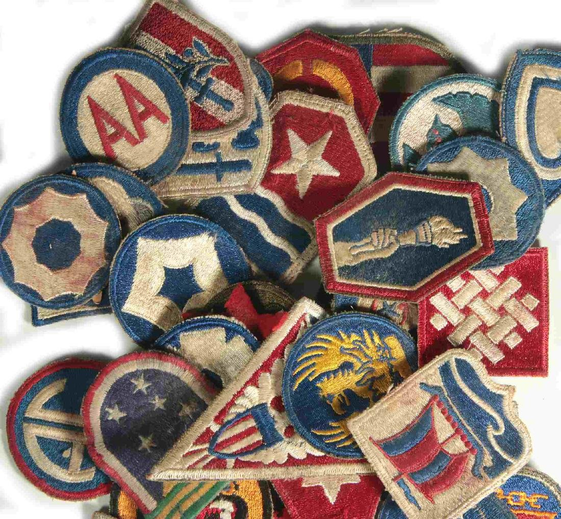 A COLLECTION OF 105 WWII-ERA US ARMY PATCHES - 2