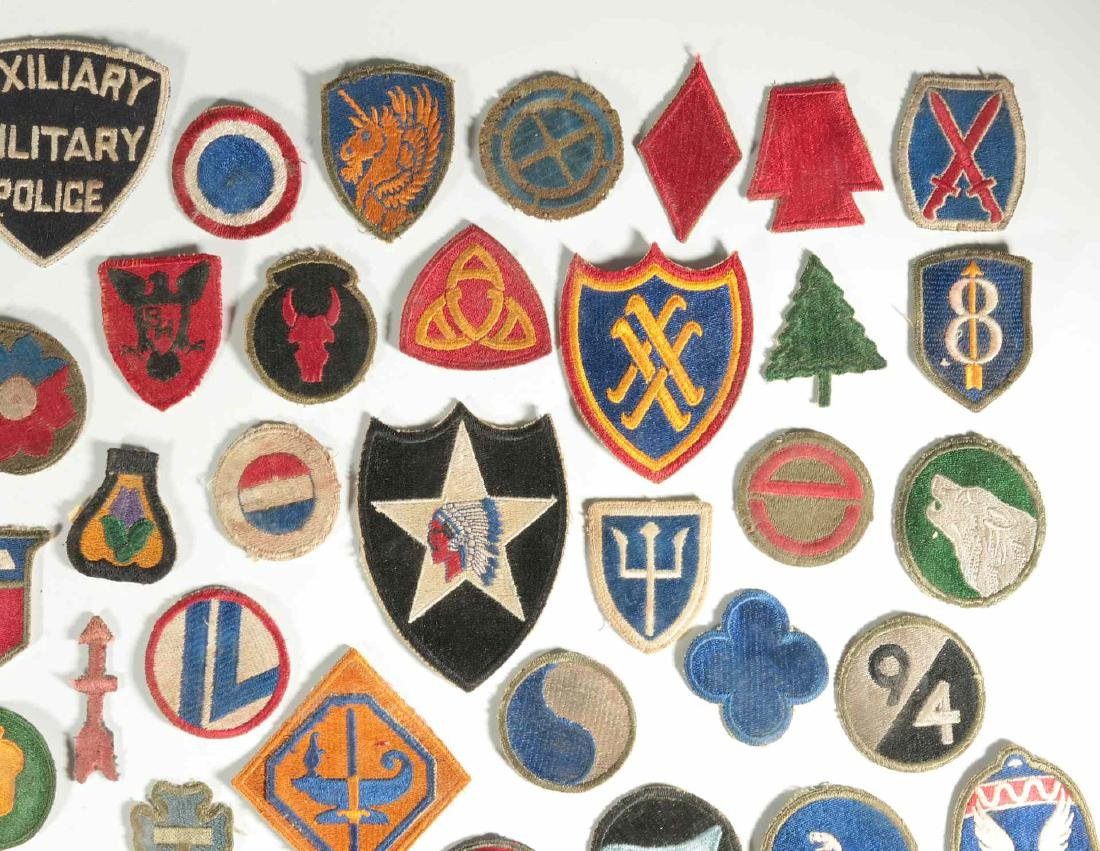 A COLLECTION OF 102 WWII-ERA US ARMY PATCHES - 3