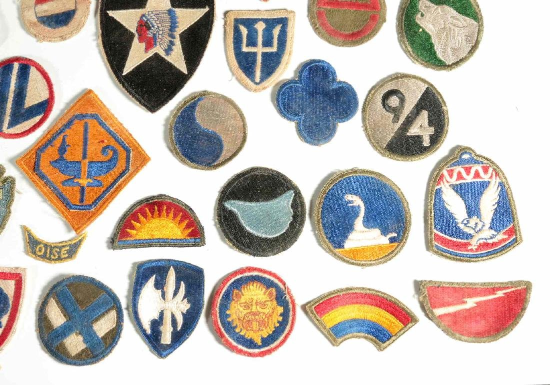 A COLLECTION OF 102 WWII-ERA US ARMY PATCHES - 4