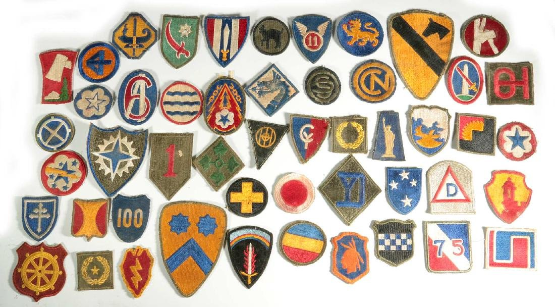 A COLLECTION OF 102 WWII-ERA US ARMY PATCHES - 6