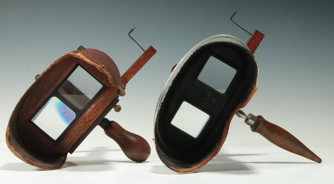 TWO CIRCA 1900 STEREO CARD VIEWERS - 6