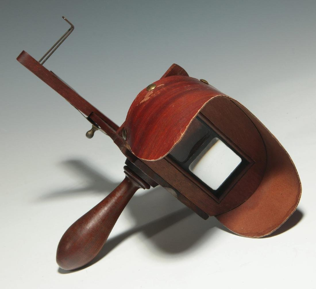 TWO CIRCA 1900 HAND HELD STEREO CARD VIEWERS - 4