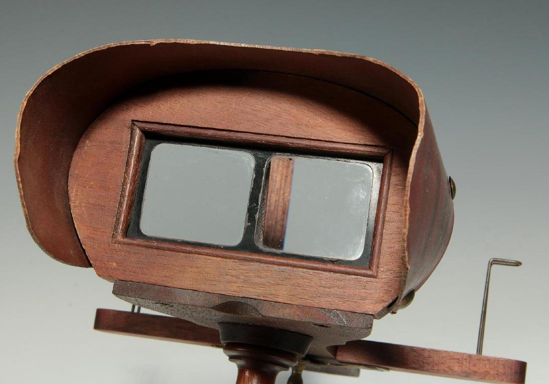 TWO CIRCA 1900 HAND HELD STEREO CARD VIEWERS - 5
