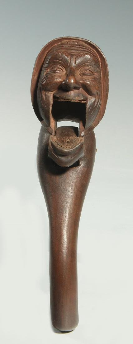 A GOOD C.1900 BLACK FOREST CARVED WOOD NUT CRACKER - 4