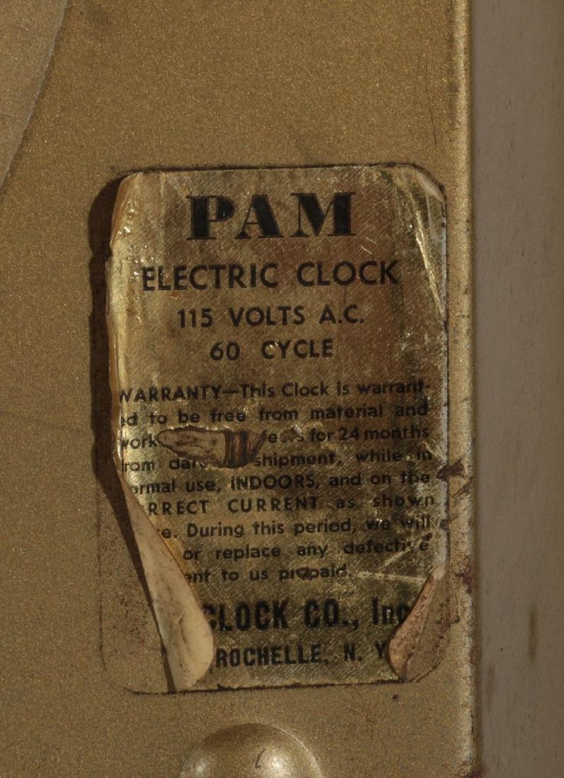 A VINTAGE LIGHTED DR. PEPPER ADVERTISING CLOCK - 9