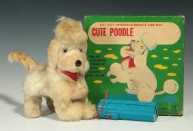VINTAGE 'CUTE POODLE' BATTERY OPERATED TOY W/ BOX