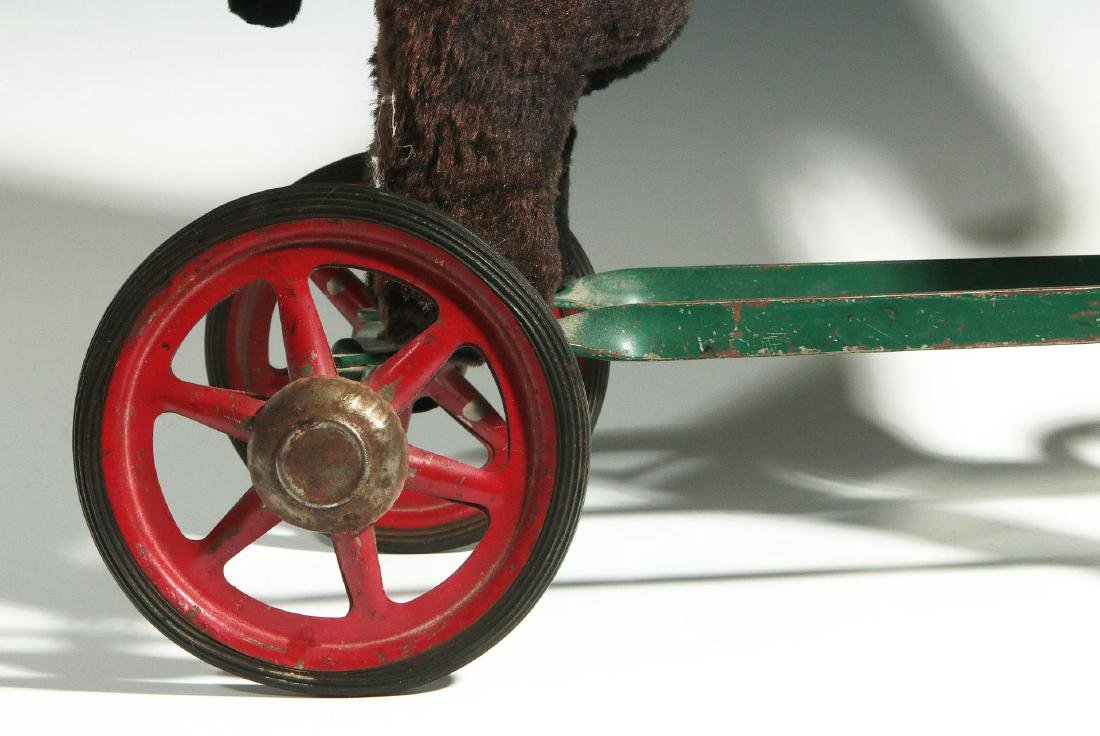 A VINTAGE PLUSH ANIMAL PULL TOY ON WHEELS - 4