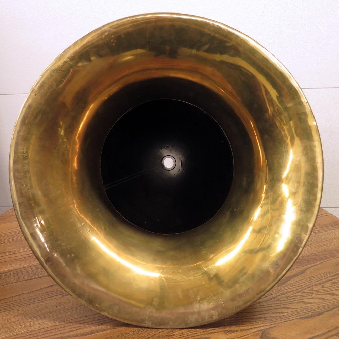 AN OVERSIZED VICTOR PHONOGRAPH HORN W/ BRASS BELL - 2