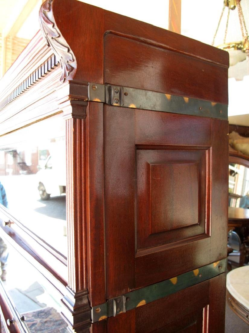 AN UNUSUAL GLOBE-WERNICKE STACKING BOOKCASE - 5