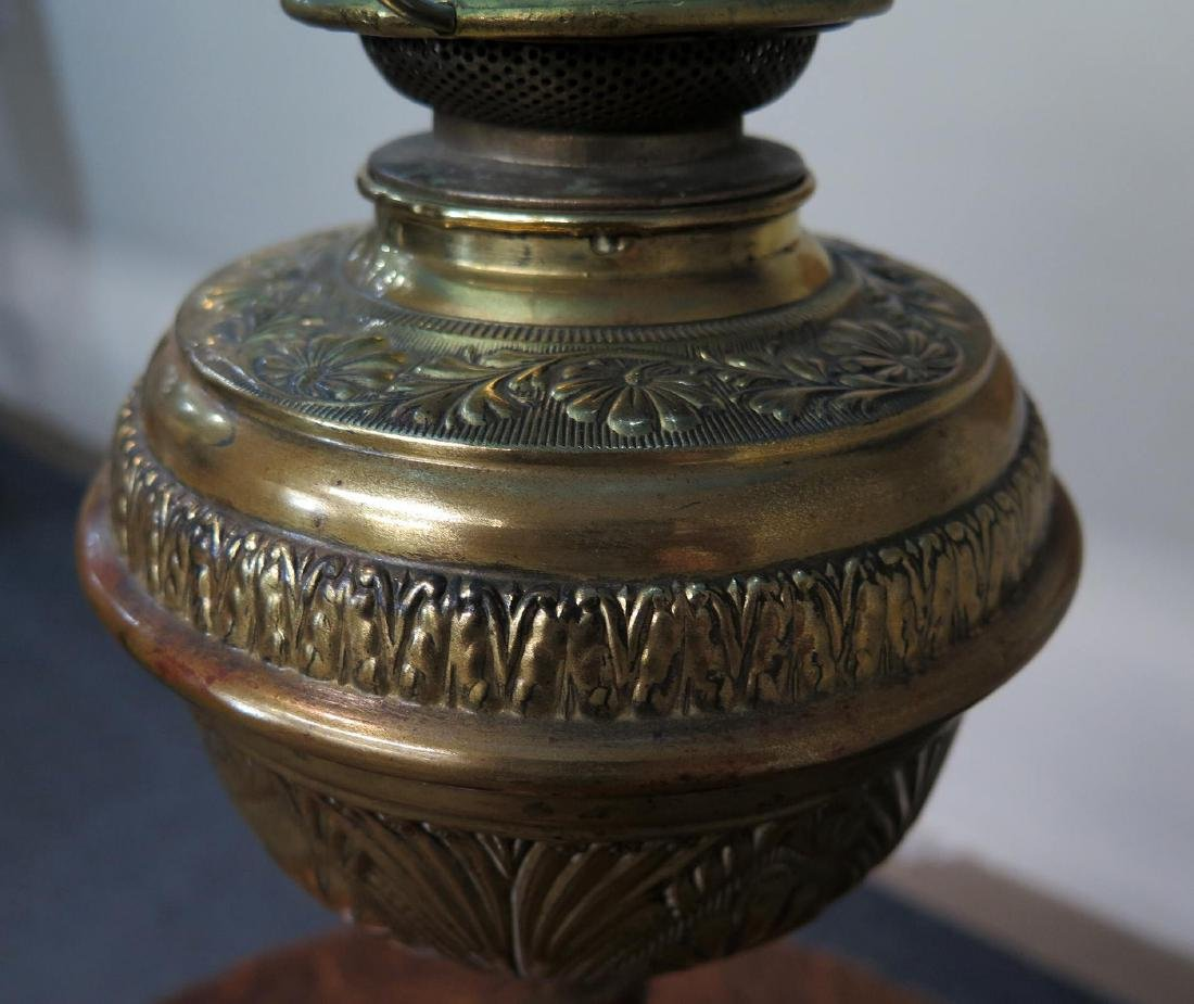 A 19TH C. BRASS OIL LAMP WITH BLUE QUILTED SHADE - 3
