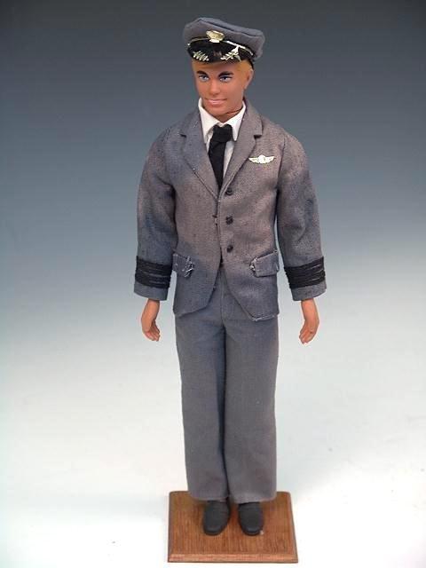 205: 1968 AIRLINE PILOT KEN DOLL