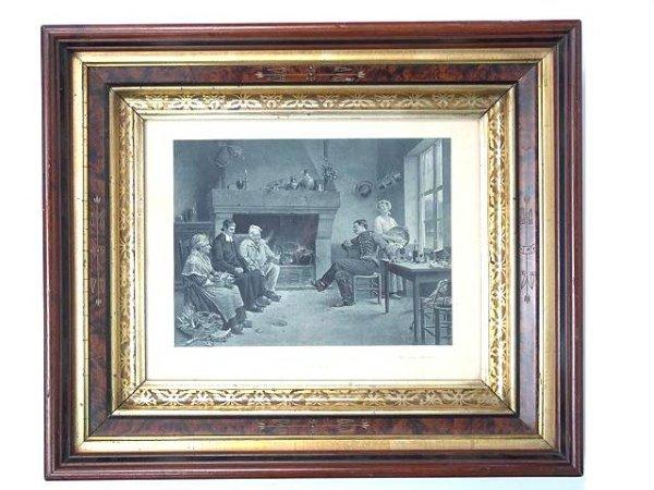 863: VICTORIAN WALNUT PICTURE FRAME