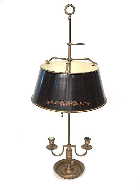 867: TOLE SHADE BRASS TABLE LAMP