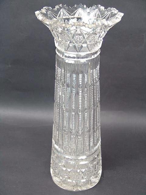 869: ANTIQUE CUT GLASS VASE
