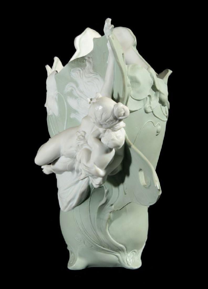 AN ART NOUVEAU JASPER VASE WITH MAIDEN - 6