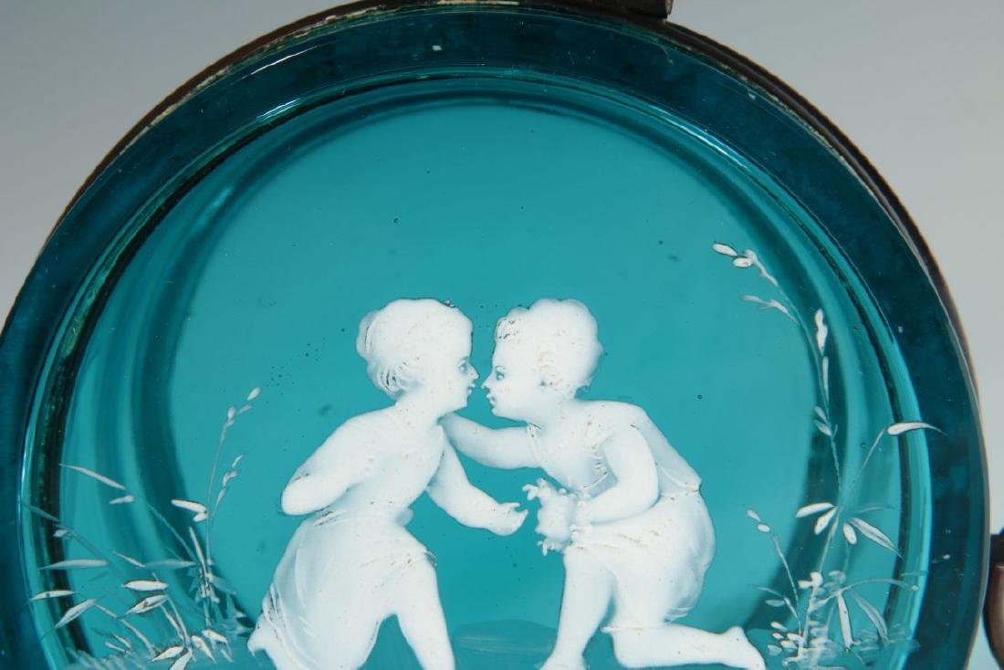 A BLUE RING BOX WITH MARY GREGORY-TYPE DECORATION - 4