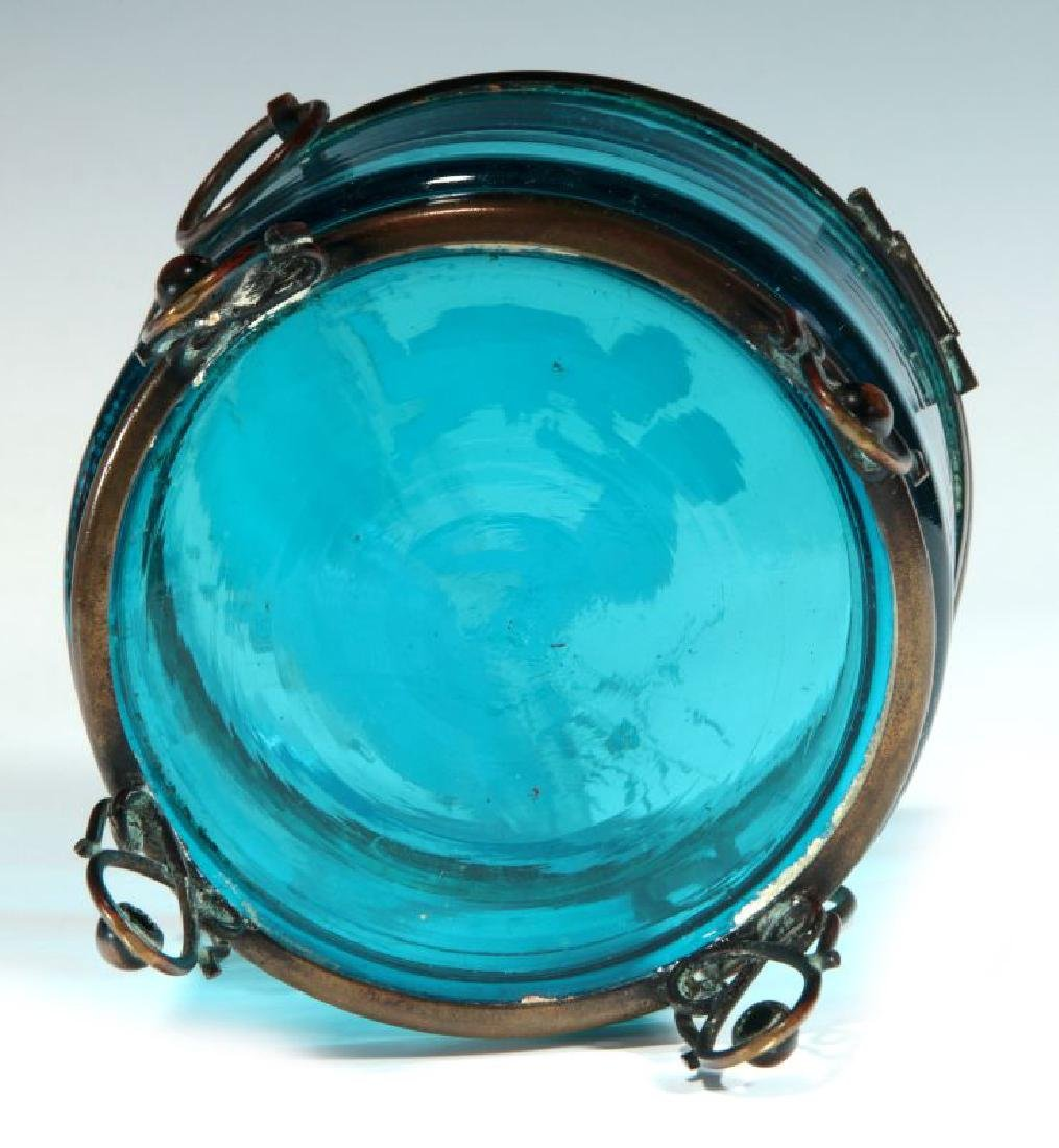 A BLUE RING BOX WITH MARY GREGORY-TYPE DECORATION - 8