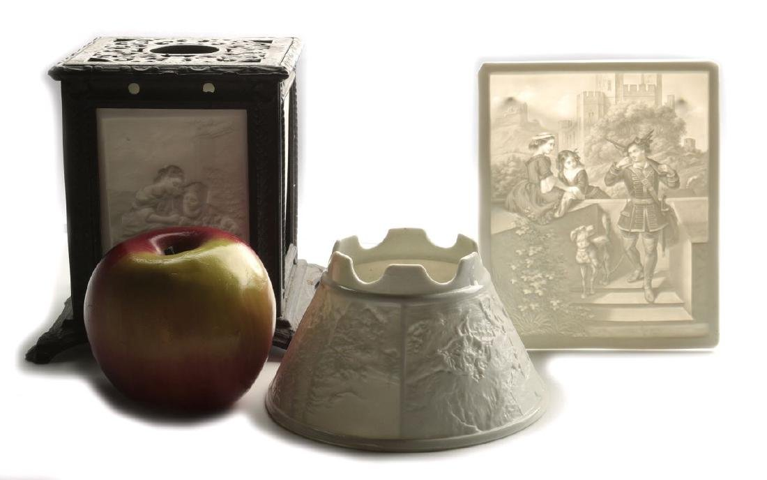 THREE 19TH CENTURY PORCELAIN LITHOPHANE ITEMS - 2