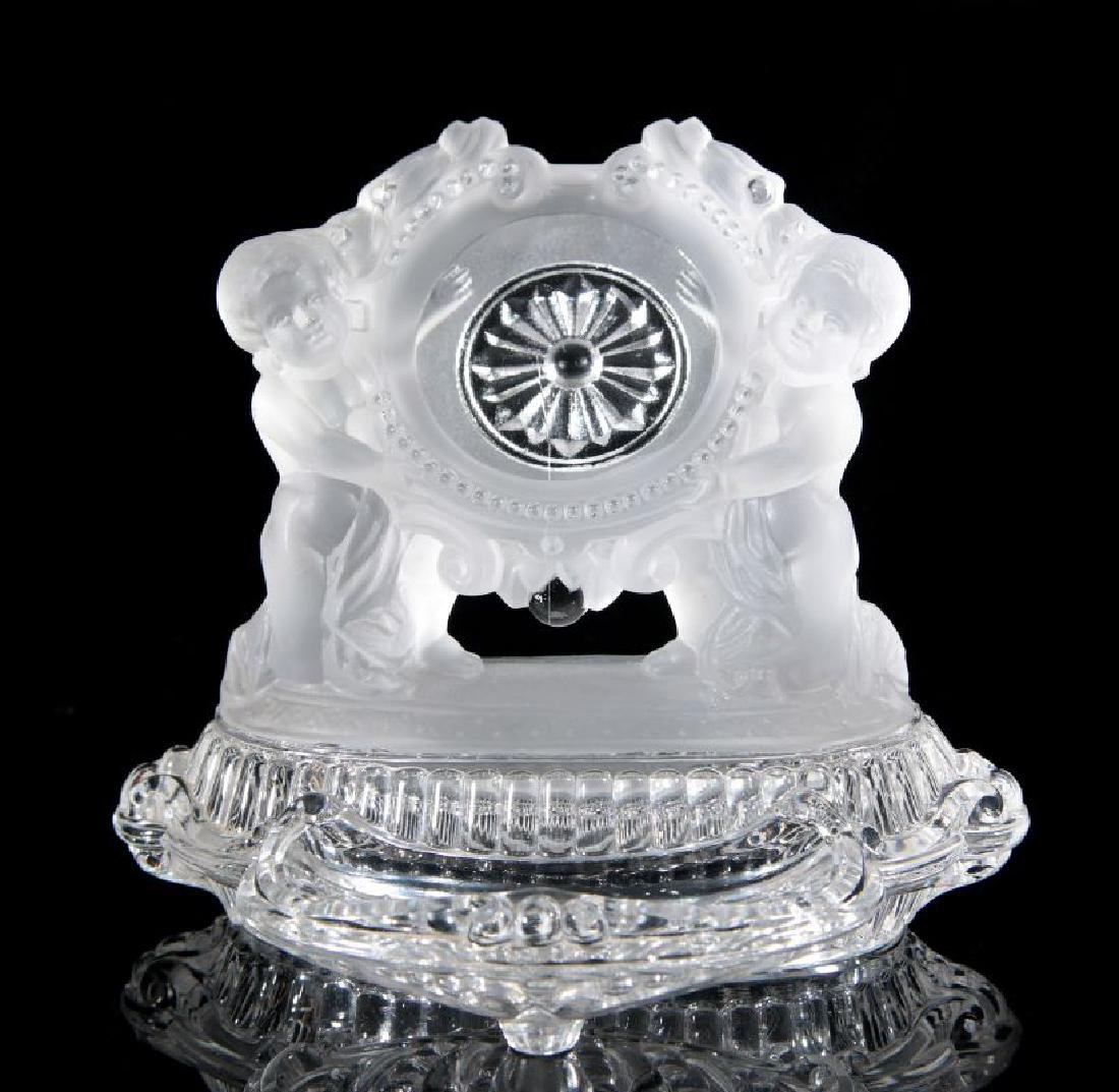 A BACCARAT FRENCH CRYSTAL WATCH HOLDER