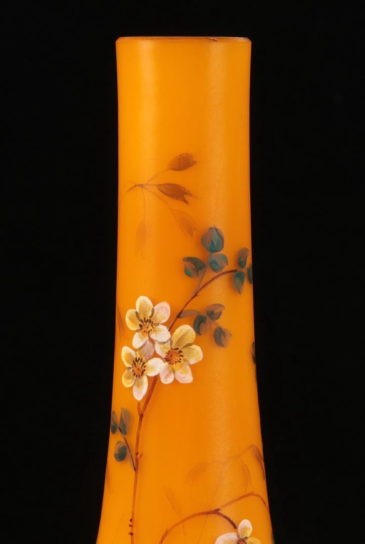 A SHADED CITRON SATIN GLASS VASE WITH ENAMEL - 3