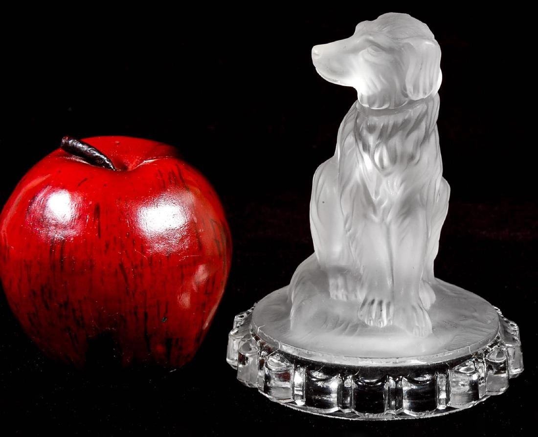 A 19TH C. FROSTED GLASS DOG PAPERWEIGHT - 4