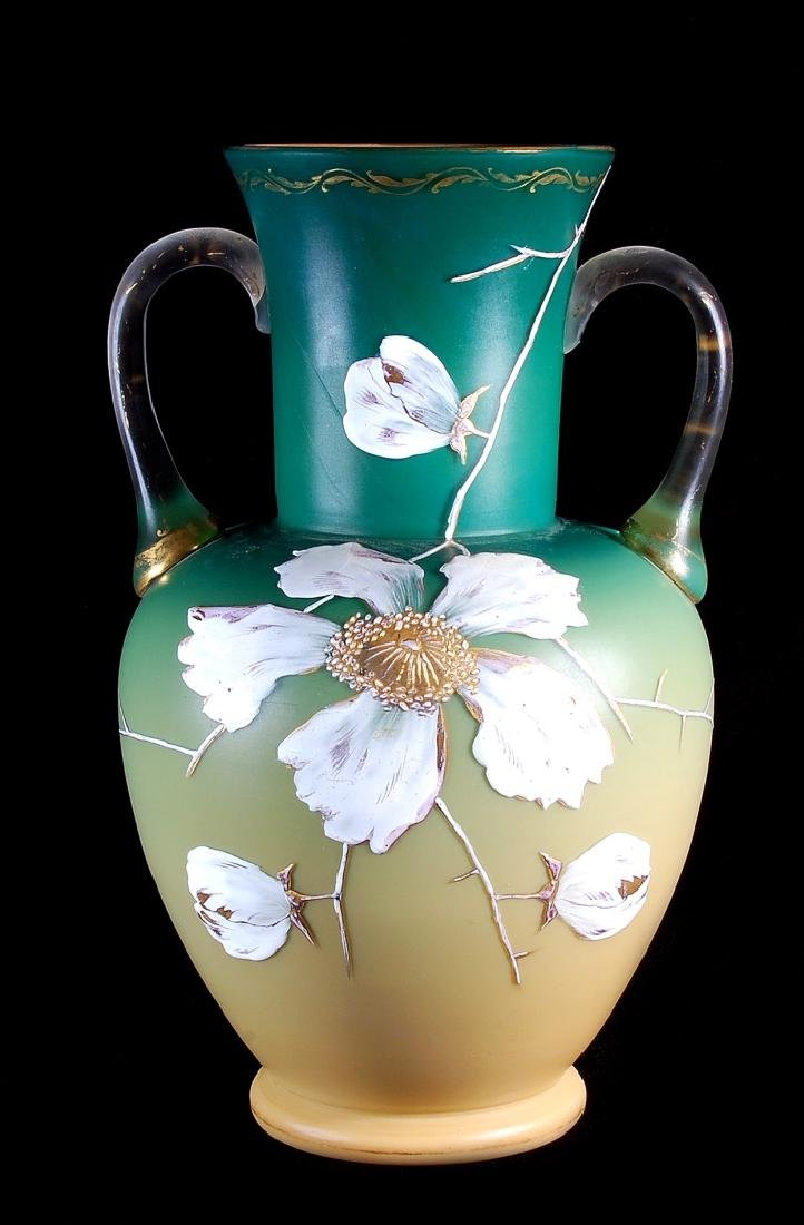 A CIRCA 1887 ART GLASS VASE ATTRIBUTED EARLY LOETZ