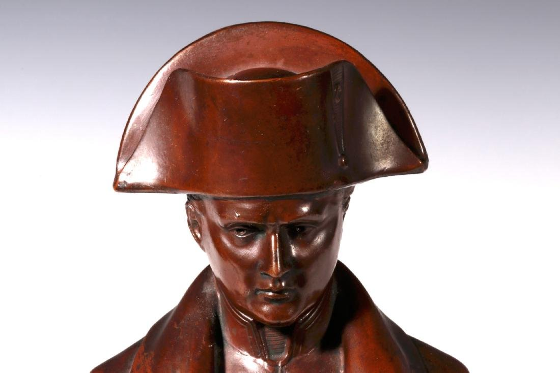 A LATE 19TH / EARLY 20TH C. BRONZE BUST OF NAPOLEON - 3