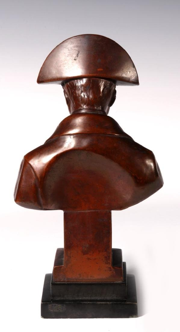 A LATE 19TH / EARLY 20TH C. BRONZE BUST OF NAPOLEON - 7