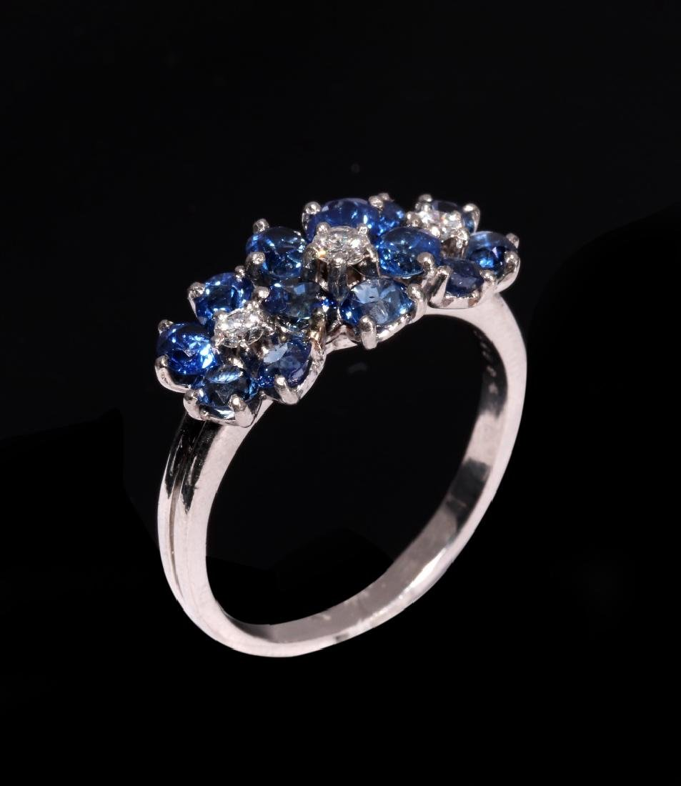 A DIAMOND AND PLATINUM FASHION RING WITH BLUE GEMS - 2